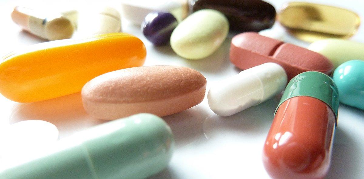 Viele farbigen Pillen